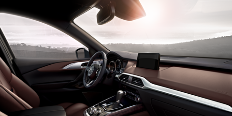 Complementing the head-up cockpit philosophy is the windshield-projected Active Driving Display found on the Grand Touring and Signature trims.