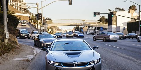 The first combination of BMW TwinPower Turbo and BMW eDrive technology plus intelligent energy management produce system output of 266 kW/357 hp (max. torque: 570 Nm / 420 lb-ft) and give the BMW i8 the performance characteristics of a pure-bred sports car (0 –60 mph in 4.2 seconds) combined with fuel economy and emissions comparable to a small car
