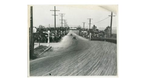 Cars exiting Elk's Tooth Curve, turning from Venice onto northbound Lincoln Avenue.