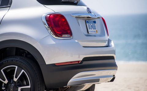 The 500X is will be available with 1.4-liter and 2.4-liter engines.
