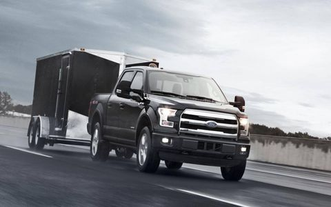 The engine produces 325 horsepower and 375 lb.-ft. of torque – improving the power-to-weight ratio of the 2015 truck by 15 percent over the 2014 5.0-liter V8-equipped F-150 with similar torque output, thanks to vehicle light-weighting.