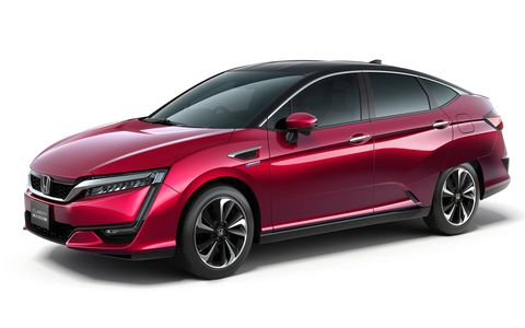 We briefly test the 2016 Honda Clarity hydrogen fuel cell sedan and a test mule (which looked suspiciously like a Honda Accord) for its platform-mate plug-in hybrid.