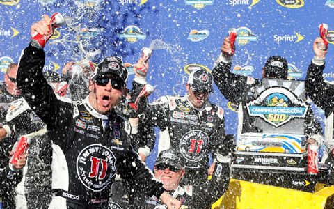 Kevin Harvick could not be stopped on Sunday in Phoenix.