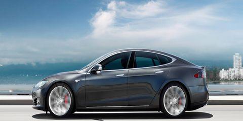 Tire, Wheel, Mode of transport, Automotive design, Vehicle, Transport, Automotive tire, Alloy wheel, Land vehicle, Rim,