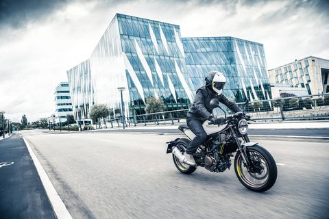 The Husqvarna Vitpilen 401 in Action