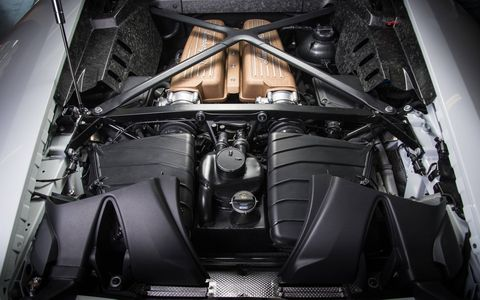 The bronze intake manifold is Performante-exclusive.