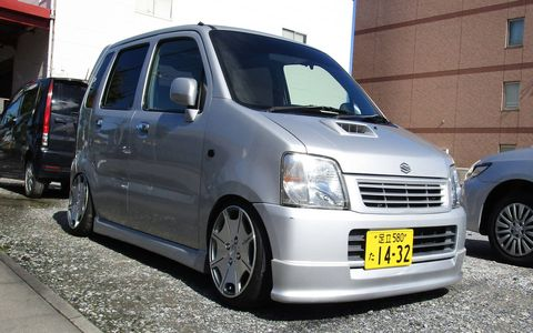 Kei wagons don't have to be tedious punishment cells, as we see in this Tokyo Suzuki Wagon R.