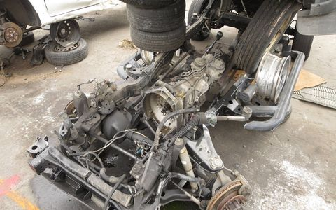 That Aisin AR5 is a pretty useful transmission, with variations installed in cars ranging from the Jeep Cherokee to Pontiac Solstice. This one is too dangerous to remove, though.