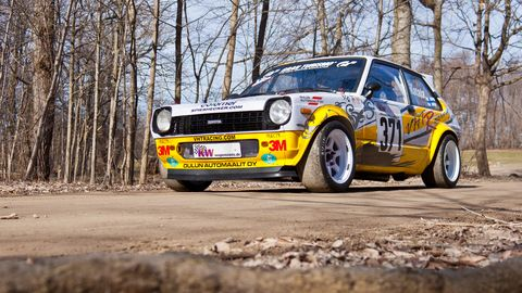 After the rust was fixed and the body strengthened, a roll cage and other safety features were added to meet Finnish Group F rally regulations.