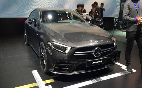 The 2019 Mercedes-AMG 53-series cars get the company's twin-blade radiator grille in silver chrome with a black lattice pattern insert, previously reserved for the V8 AMG models.