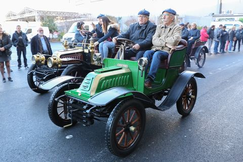 De Dion Bouton was one of the most influential carmakers at the dawn of the auto industry. Fans of the marque paraded their cars at Retromobile this year, to the delight of the crowd.