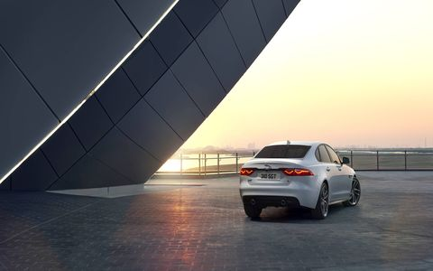 XF produces 340hp @ 6500rpm and 332 lb-ft of torque.