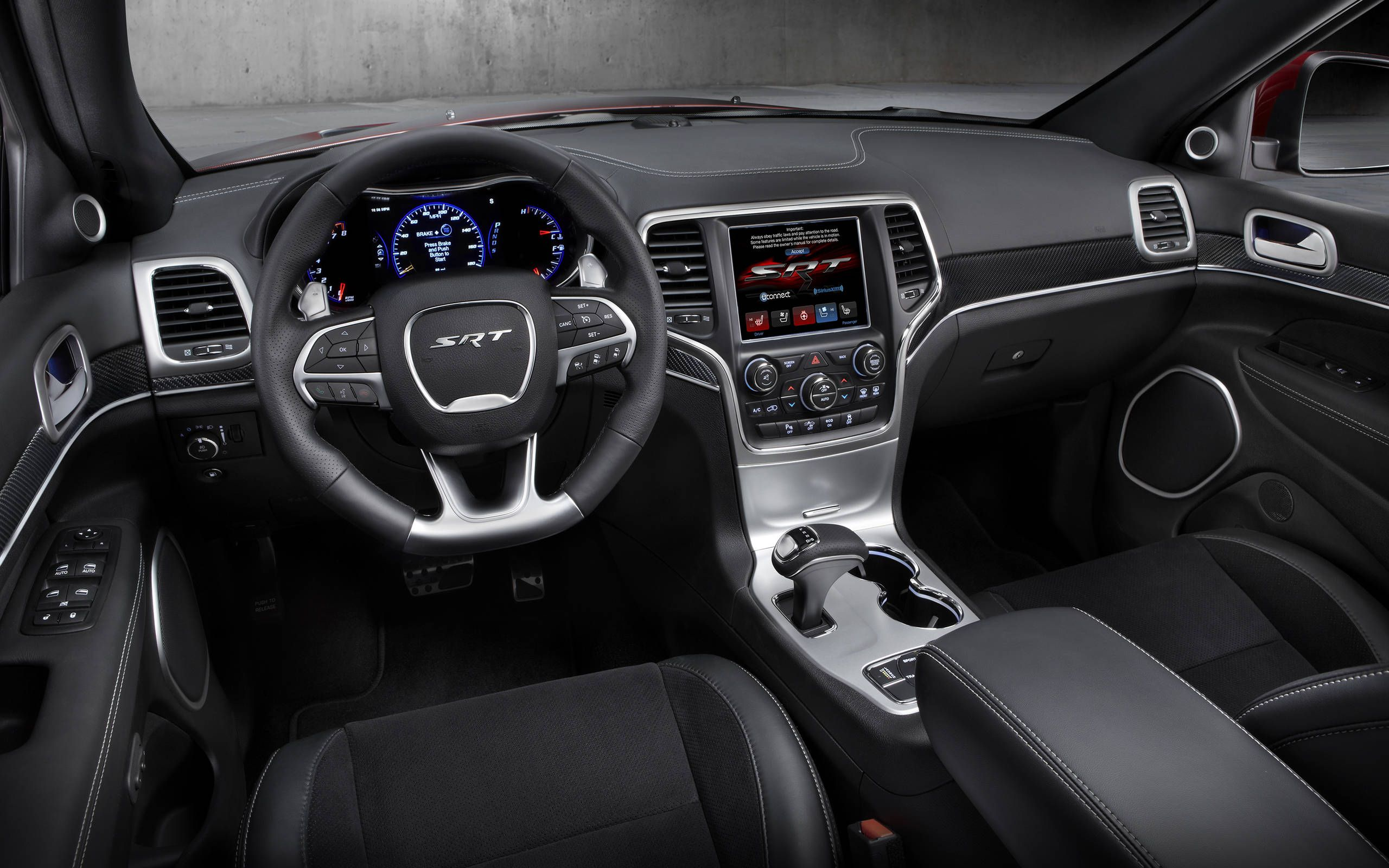 2015 Jeep Grand Cherokee Srt Review Notes Bold Exterior And Luxurious Features
