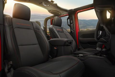 The 2020 Jeep Gladiator will feature a choice of a standard soft top or optional hardtop in body or accent color.