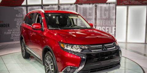 An updated 2016 Mitsubishi Outlander debuted at the New York auto show.