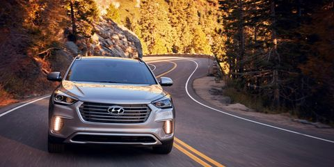The 2018 Hyundai Santa Fe has a 3.3-liter V6 delivering 290-hp with 252 lb-ft of torque.