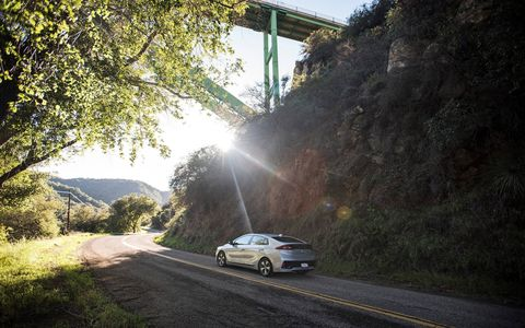 Unlike most hybrids that use CVTs, the 2018 Hyundai Ioniq PHEV specifies a six-speed dual-clutch transmission and offers a sport mode with full manual control.