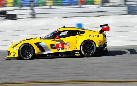 4 Corvette C7.R Michelin Oliver Gavin(P) GBR Tommy Milner(P) USA Marcel Fassler(P) CHE Corvette Racing Chevrolet
