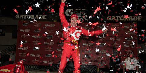 Scott Dixon won Saturday night's IndyCar race at Phoenix.