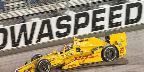 Ryan Hunter-Reay scored his first win of the 2015 Verizon IndyCar Series on Saturday night at Newton, Iowa.
