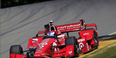 Scott Dixon broke a 16-year-old track record at Mid-Oho on Saturday.