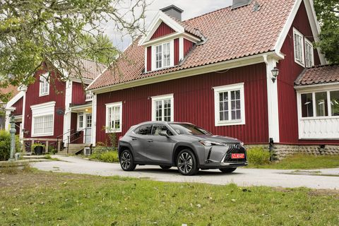 The 2019 Lexus UX stays true to the brand's visual identity from every angle
