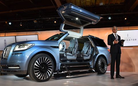 2018 Lincoln Navigator Concept debuts at New York auto show