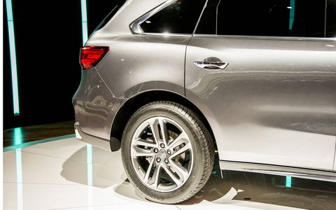The 2017 Acura MDX made its debut in New York this week.