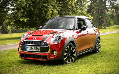 The 2015 Mini Cooper S Hardtop 4 Door goes on sale in January of 2015.