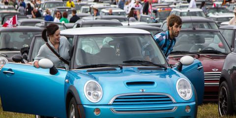 The current record of 1,450 MINIs in a parade was first set in 2009 by the London & Surrey Mini Owners Club, which filled the historic 2-mile auto racing circuit around the famous Crystal Palace Park in the UK's capital city.