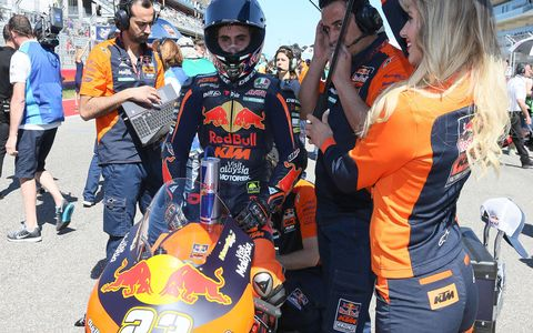 Marc Marquez (Repsol Honda Team) initially fought it out with teammate Dani Pedrosa for victory in the Red Bull Grand Prix of the Americas Sunday, before being able to break clear in the latter laps of the race to take his stunning fifth win in a row in Austin – his 11th straight victory on US soil.