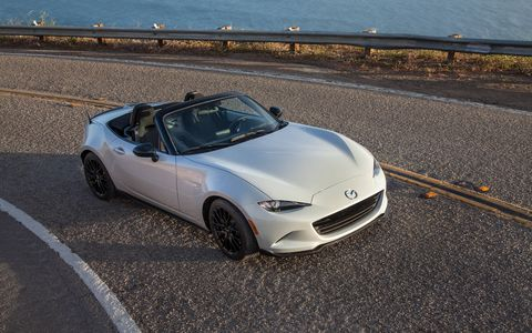 Mazda has unveiled the 2016 MX-5 Miata Club trim at the New York auto show. Club sits between the base Sport and range-topping Grand Touring trims.