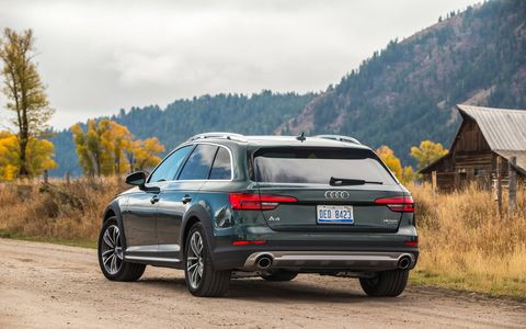 The big change to the new Audi A4 Allroad, however, comes in the form of the updated all-wheel drive system called Quattro with Ultra Tech. The system essentially turns your all-wheel drive vehicle to a front-wheel drive car when cruising.