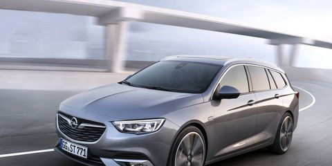 The 2018 Buick Regal will have its first auto show appearance in New York alongside the redesigned Buick Enclave crossover.