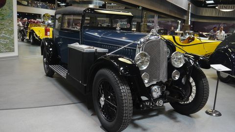 1928 Avions Voisin Type C11 Lumineuse Sedan By Gabriel Voisin 1926 WAS A TRANSFORMATIVE YEAR for Gabriel Voisin, a year in which he abandoned his grand prix, hill climb, and ornamental estate cars to focus his business on the production of exceptional road cars. Changed too was Voisin's approach to the technical process of automobile manufacture; his new prime objectives being safety, reliability and comfort.
