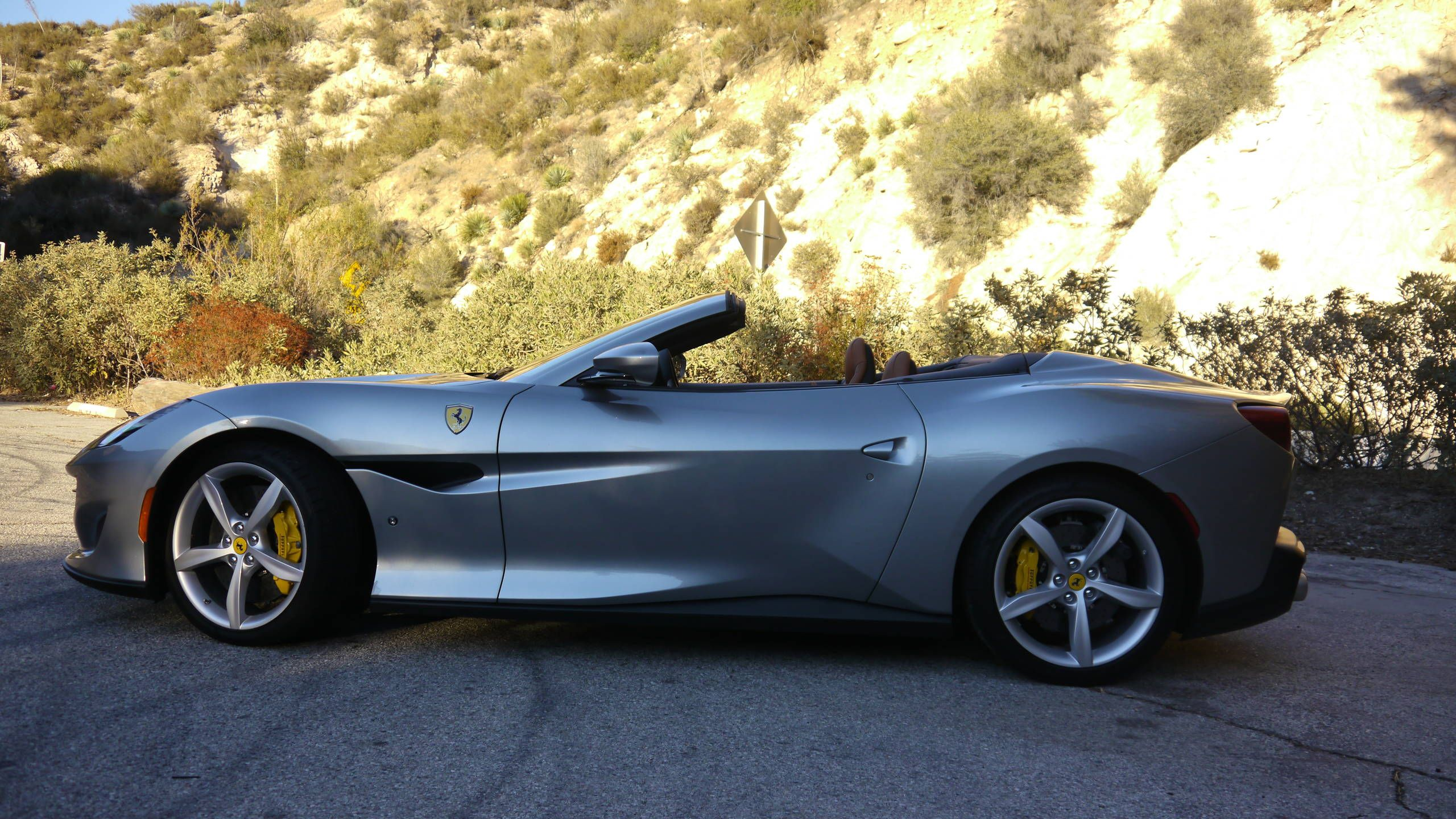 2019 Ferrari Portofino Drive Review 5 Glorious Days Of Speed Comfort And A 2 531 Cupholder