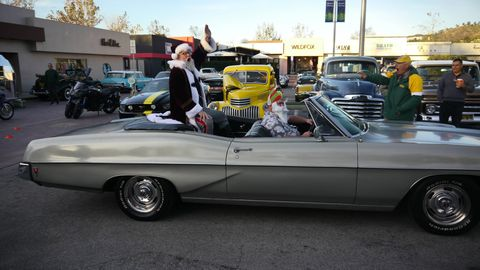 Santa took time out of his busy pre-Christmas schedule to visit Wheels & Waves car show on Sunday. The last W&W was cancelled when the Woolsey Fire tore through the canyons and hills of The 'Bu. Sunday's show was the first car show since the fires. Thank you Fireball Tim, who put it on, along with sponsors and volunteers..