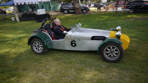 Is this the real Lotus? Or is it Caterham? Caught in a car show, no escape from the relatordom...