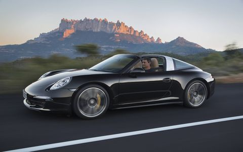 Porsche expanded the 911 line with the 911 Targa 4S. The 911 Targa 4S combines the classic Targa concept with state-of-the-art roof technology.