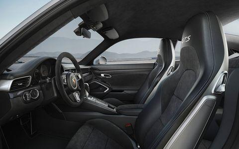 Inside the new 2017 Porsche 911 Carrera GTS