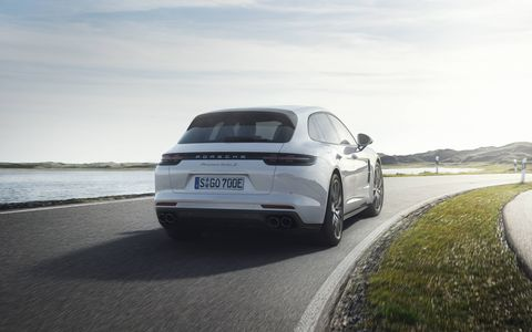 The Turbo S E-Hybrid Sport Turismo powertrain consists of a 4.0-liter, twin-turbo V8 connected to a 136-hp, 295-lb-ft electric motor followed by an eight-speed PDK.