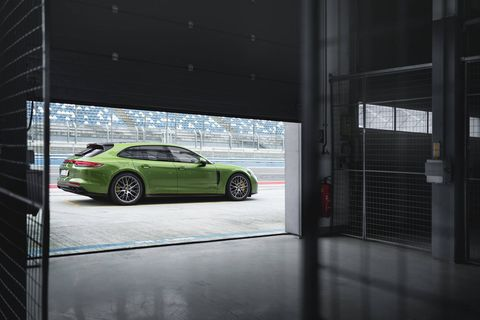 For the first time the Panamera GTS is offered as a Sport Turismo