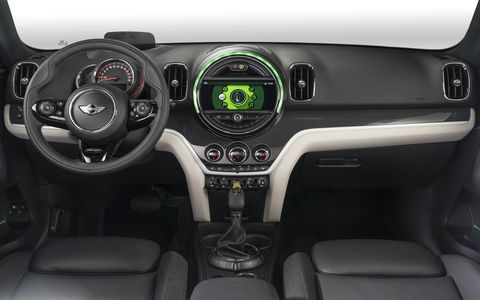 The 2018 Mini Cooper S E Countryman All4 has three operating modes available for selection via eDrive toggle switch