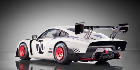 A new Porsche 935 was introduced at Rennsport Reunion VI with the 700-hp powertrain from the 911 GT2 RS.