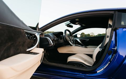 The interior of the 2017 Acura NSX