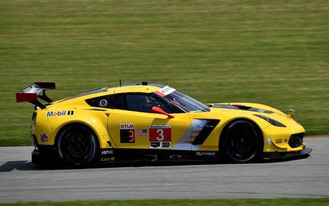 3 Corvette C7.R Michelin Jan Magnussen(P) DNK Antonio Garcia(P) ESP Mike Rockenfeller(P)  Corvette Racing Chevrolet