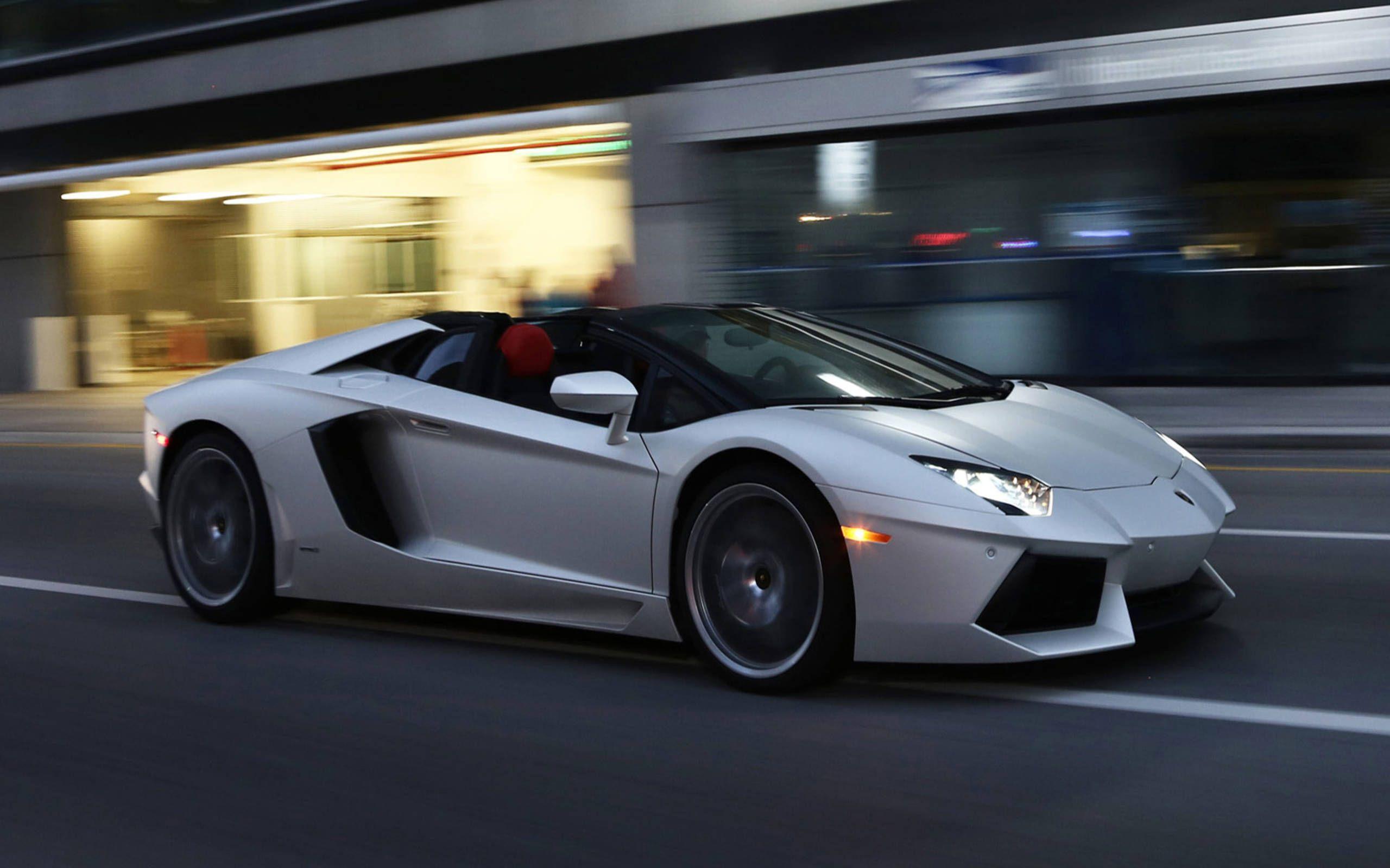 Lamborghini Aventador Sv Roadster Drops Its Top Gets Even More Insane