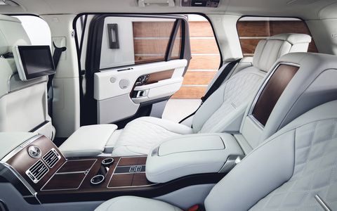 With 40 degree reclining seats and a drinks cooler, the 2018 Range Rover Autobiography is what luxury should be.