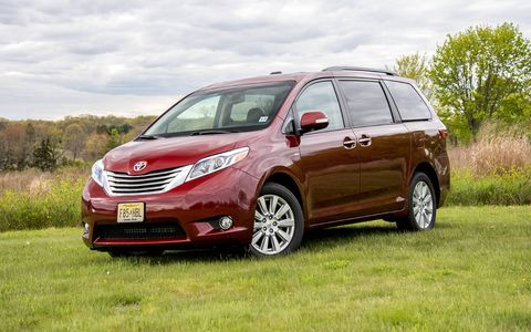 The Sienna pairs a 3.5-liter V6 engine with an eight-speed automatic transmission.