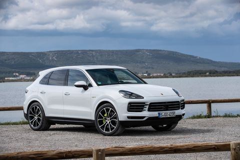 The 2019 Porsche Cayenne E-Hybrid will be on sale in the U.S. in late 2018.